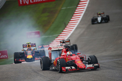 Себастьян Феттель, Ferrari SF15-T блокирует колеса на торможении