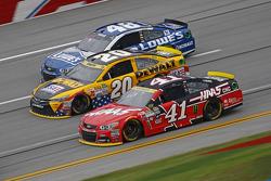 Kurt Busch, Stewart-Haas Racing Chevrolet and Matt Kenseth, Joe Gibbs Racing Toyota and Jimmie Johnson, Hendrick Motorsports Chevrolet