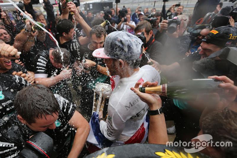 Champagner-Duft liegt in der Luft
