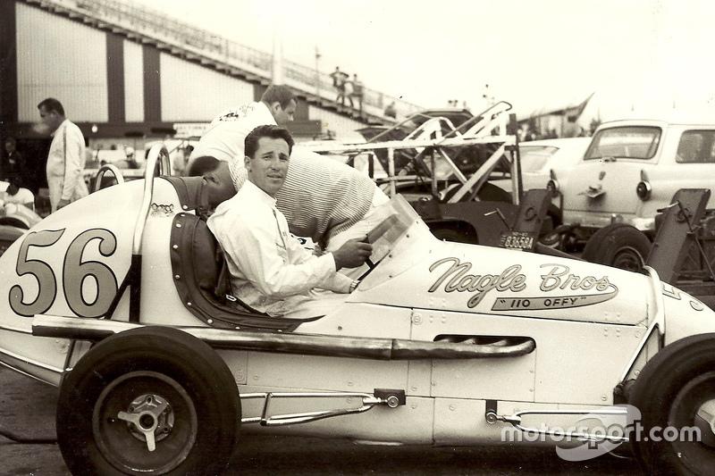 Маріо Андретті at CNE Speedway in Toronto in USAC midget