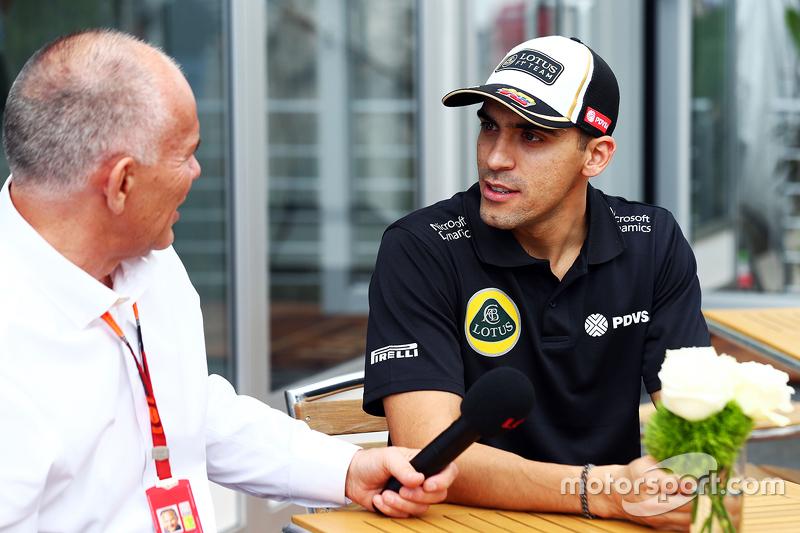 Пастор Мальдонадо, Lotus F1 Team з Пітер Віндсор, Журналіст