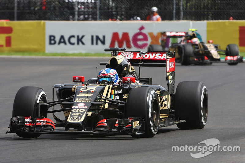 Jolyon Palmer, Lotus F1 E23 Test devant son coéquipier Pastor Maldonado