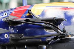 Поврежденная Scuderia Toro Rosso STR10 Макса Ферстаппена, Scuderia Toro Rosso после аварии во время второй тренировки