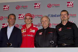 Carlos Slim, President of America Movil, Esteban Gutierrez, Haas F1 Team, Gene Haas, owner of the team and Guenther Steiner, Team Director