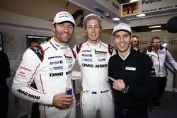 Ganadores de la Pole, Timo Bernhard, Mark Webber, Brendon Hartley, Porsche Team