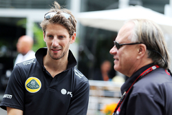 Ромен Грожан, Lotus F1 Team и Жене Хаас, президент Haas Automotion