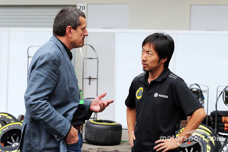 غونتر ستاينر، مدير فريق هاس وآياو كوماتسو، مهندس السباق في فريق لوتس
