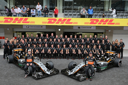 Nico Hulkenberg, Sahara Force India F1 and Sergio Perez, Sahara Force India F1 at a team photograph