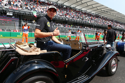 Pastor Maldonado, Lotus F1 Team op de rijdersparade