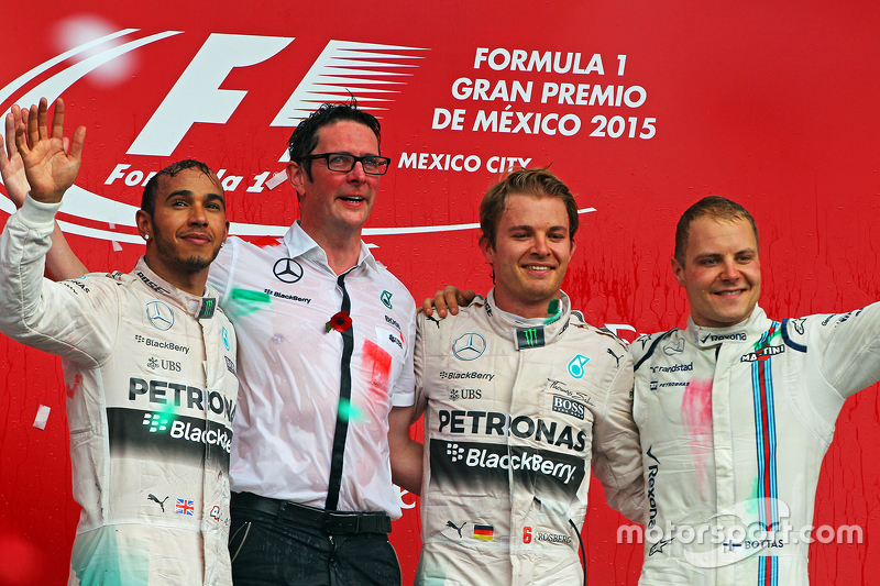 Podium: Second place Lewis Hamilton Mercedes AMG F1, Andrew Shovlin, Mercedes AMG F1 Engineer, Race winner Nico Rosberg, Mercedes AMG F1, third place Valtteri Bottas, Williams