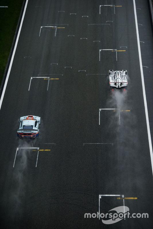 السيارة رقم 96 أستون مارتن ريسينغ فانتاج جي تي إي: فرانسيسكو كاستيلاشي، روالد غوته، ستوارت هول والسي