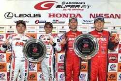 Race winners GT500 Tsugio Matsuda, Ronnie Quintarelli with race winners GT300 Kazuki Hoshino, Mitsun
