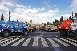 Truck parking in front of Jeronimo's monastery, build in honor of the Portuguese nautical discoverys and navigators