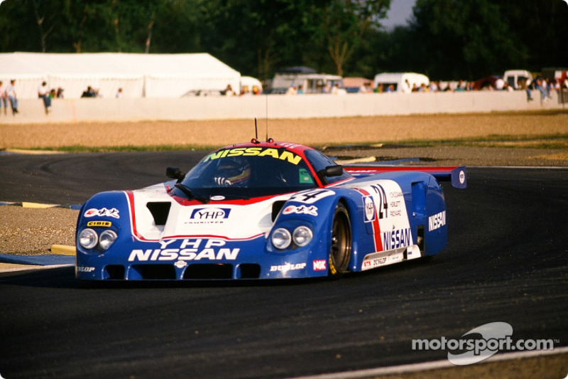 #24 Nissan Motorsport Nissan R 89 C: Julian Bailey, Mark Blundell, Martin Donnelly