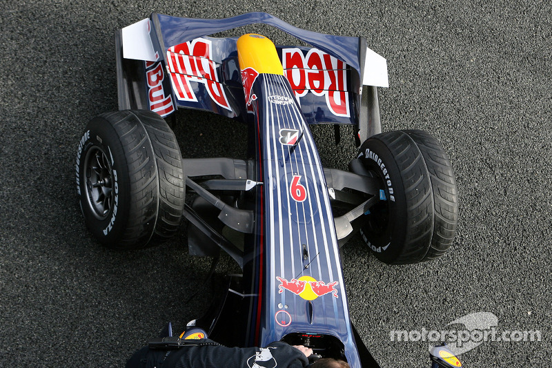 David Coulthard tests the new Red Bull RB4