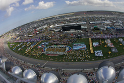 Overall view of the pre-race show