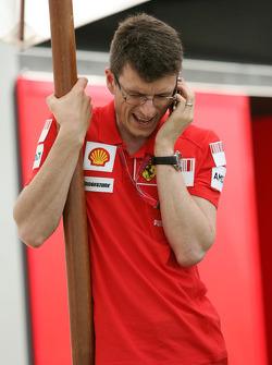Chris Dyer, Scuderia Ferrari, Track Engineer of Kimi Raikkonen- Formula 1 World Championship, Rd 1, Australian Grand Prix, Wednesday