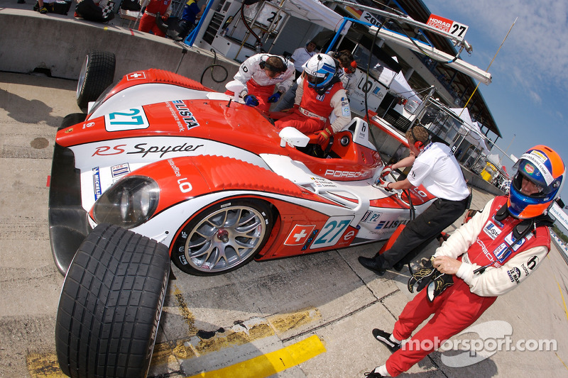 Jan Lammers and Fredy Lienhard practice drivers change
