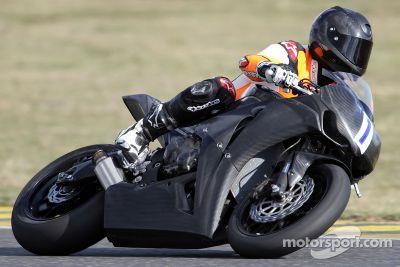 Michael Schumacher prueba la motocicleta