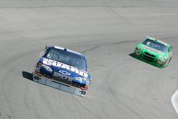 Dale Earnhardt Jr. et Kyle Busch