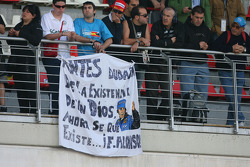 Fernando Alonso, Renault F1 Team fans