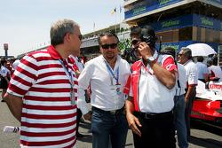Franz Josef, Weigl Weigl Group GmbH, talks with Aguri Suzuki Super Aguri F1 Team Principal