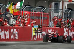 Felipe Massa takes the checkered flag