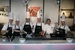 Mike Rockenfeller, Allan McNish, Chef Christian Mittermeier, Alexandre Prémat, Jürgen Pippig and Rinaldo Capello
