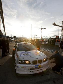 Pit stop for #48 Geoff Steel Racing BMW M3: Tim Christmas, Denis Cribbin, Paul Jenkins