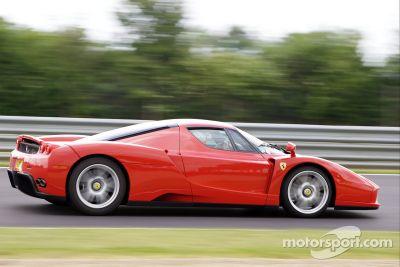 400 Ferrari Contra el Cancer