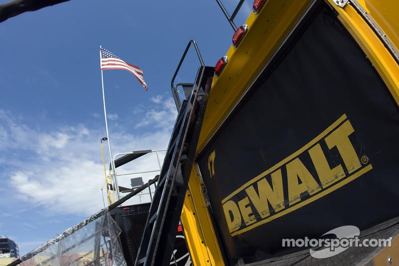 The DeWalt Hauler