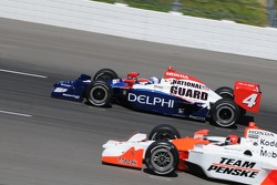 Vitor Meira passing Helio Castroneves