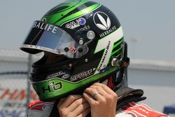 Townsend Bell getting ready