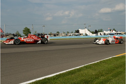 Scott Dixon and Ryan Briscoe crash