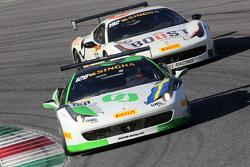 #128 Lueg Sportivo Ferrari 458: Christian Kinch voor #192 Kessel Racing Ferrari 458, Jaques Duyver