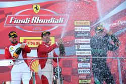 Кубок Pirelli, празднование на подиуме: первое место - #55 Scuderia Autoropa Ferrari 458: Маттео Сантопонте, второе место - #84 Octane 126 Ferrari 458: Бьорн Гроссманн