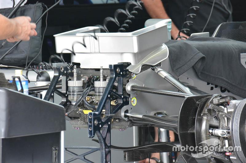 Mercedes AMG F1 W06 detalle de la nariz