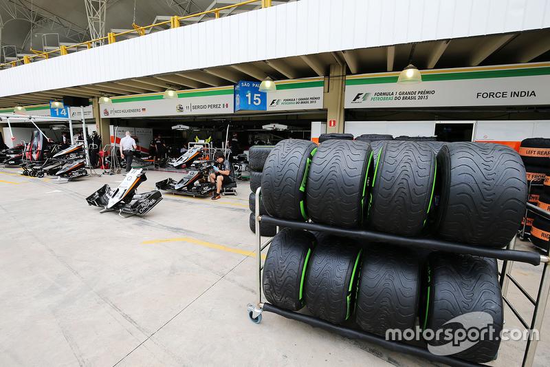 Sahara Force India F1 Team pits