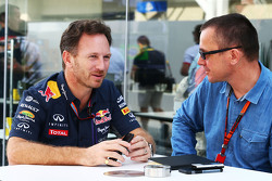 Christian Horner, Red Bull Racing Director el Equipo con Jonathan Noble, Motorsport.com Editor