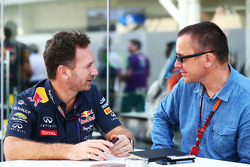 Christian Horner, Red Bull Racing Director el Equipo con Jonathan Noble, Motorsport.com Editor
