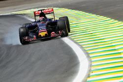 Max Verstappen, Scuderia Toro Rosso STR10 blokkeert de banden tijdens het remmen