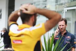 Christian Horner, Red Bull Racing Director de l Equipo con Cyril Abiteboul, Managing Director de Ren