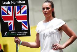 Grid girl para Lewis Hamilton, Mercedes AMG F1