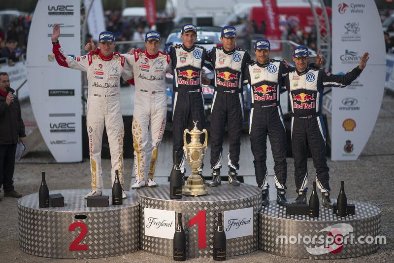 Podium: winners Sébastien Ogier and Julien Ingrassia, Volkswagen Motorsport, second place Kris Meeke
