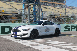 Shelby GT350 Mustang pace car