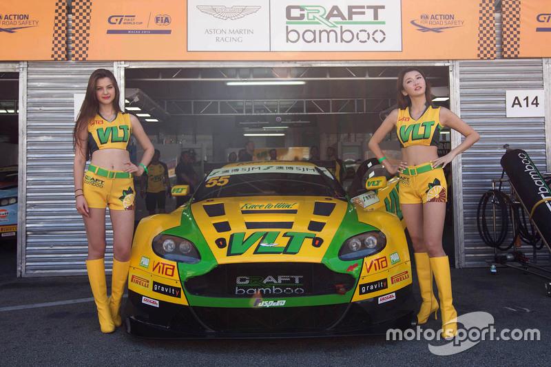Gridgirls von Darryl O'Young, Craft-Bamboo AMR, Aston Martin Vantage GT3