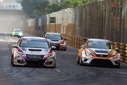 Michael Choi, SEAT Leon, Prince Racing Hong Kong; Samson Chan, SEAT Leon, Roadstar Racing Team