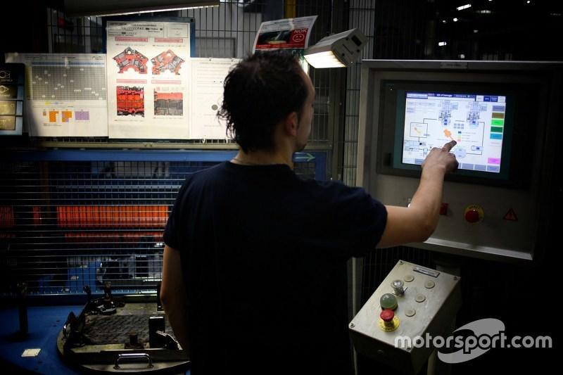 Mecachrome engine production