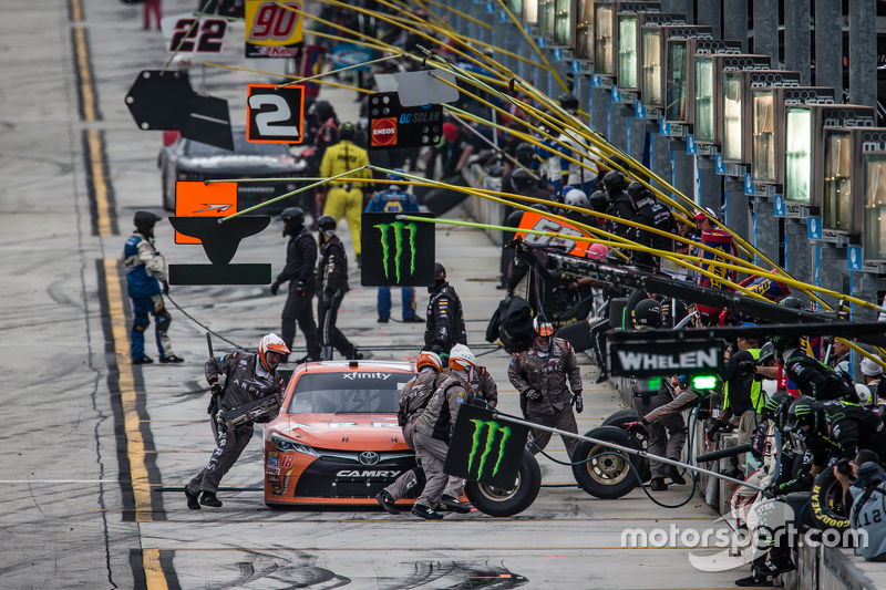 Pit stop for Daniel Suarez, Joe Gibbs Racing Toyota