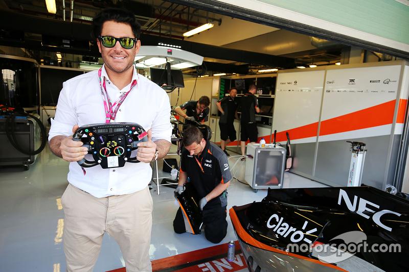 Schauspieler Mohammad Reza Golzar, zu Gast bei Sahara Force India F1 Team
